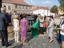 Bányászemlékmű-avatás Pécs város napján