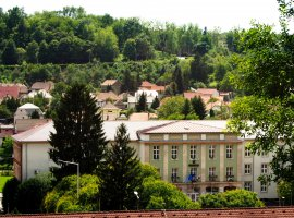 Komló, the borderless town
